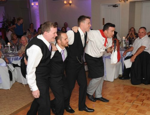 Singing Waiters – Grease Lightning!